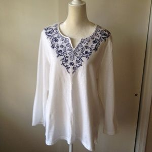 Chico's Embroidered V-Neck L/S Knit Top